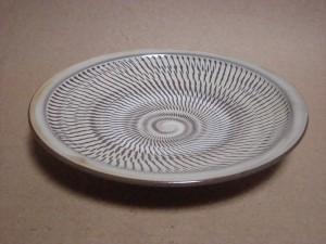 縁付トビカンナ8寸皿