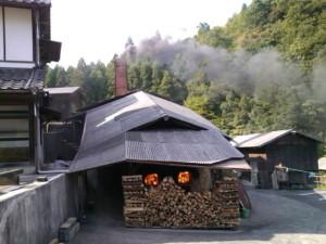 小鹿田窯焚き